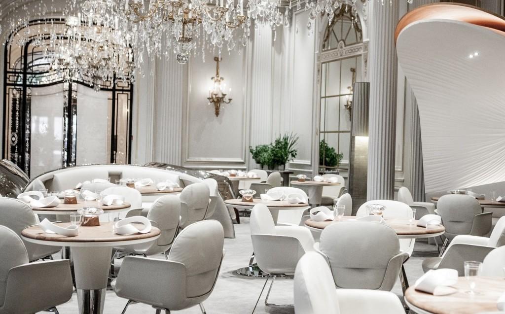 alain-ducasse-au-plaza-athenee-restaurant-room.jpg1111