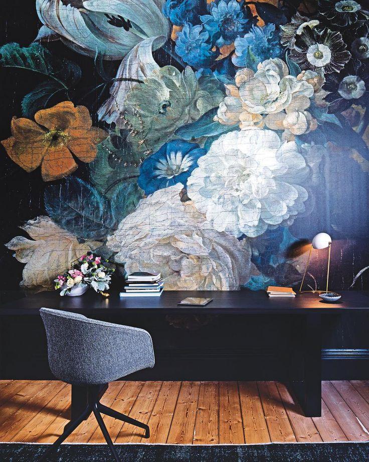 05c68d0c80508c48cfba943b10d99b14--vogue-living-custom-wallpaper
