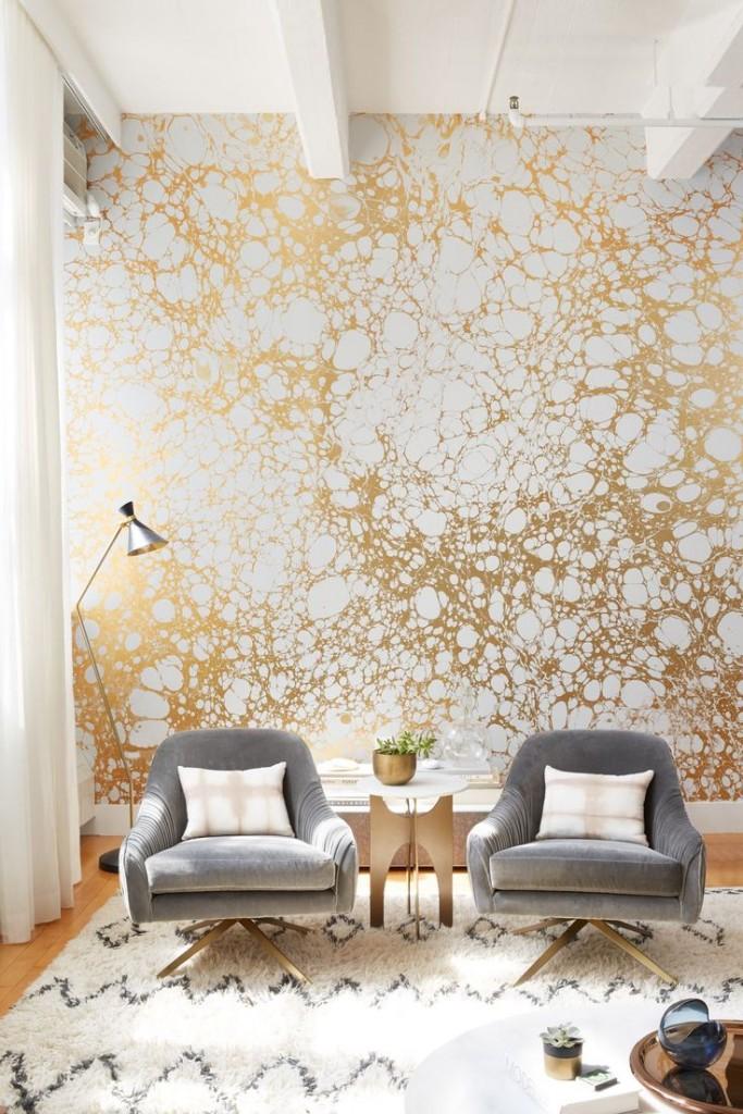 d95fddf20557cdc9b92a3bbd241edfb4--gold-wallpaper-living-room-wallpaper-gold